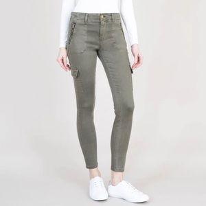 Level 99 Skinny Cargo Jeans; Size 26